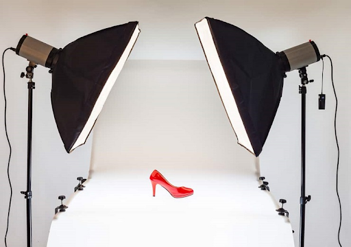 Shoe product photography lighting with backdrop